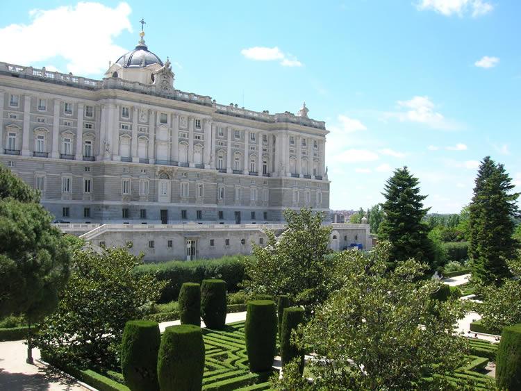 ـأســبــانــيـــآ Spain kongepalasset_hage_m
